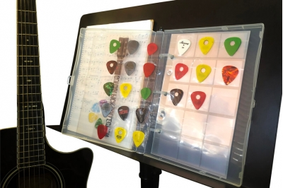 Mini Guitar Pick Page Protector